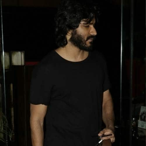 Gallery- Spotted: Harshvardhan Kapoor With A Mystery Girl Post Dinner In Bandra