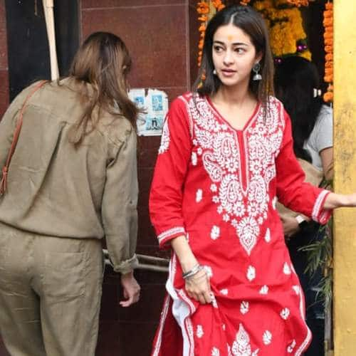 Spotted: Ananya Panday Visits Shani Temple With Mom Bhavna, Janhvi Kapoor Gym Look Have Us Hooked!
