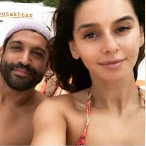 Farhan Akhtar And Shibani Danderkar's Beach Vacation Will Give You Some Serious ZNMD Vibes