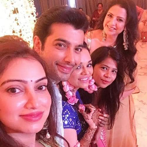 Check Out These Pictures And Videos From Ssharad Malhotra And Ripci Bhatia's Mehendi Ceremony!