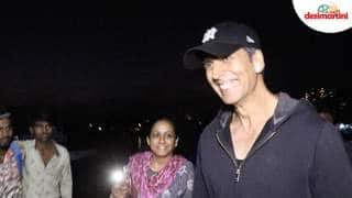 Spotted : Akshay Kumar Plays A Hilarious Prank On The Paparazzi