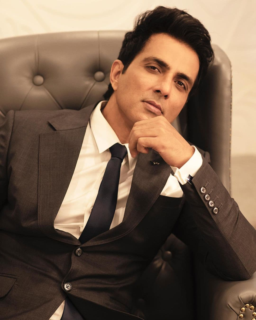 Sonu Sood Approaches Bombay High Court To Quash BMC's Notice Of Illegal Construction Sent To Him Last Year - DesiMartini