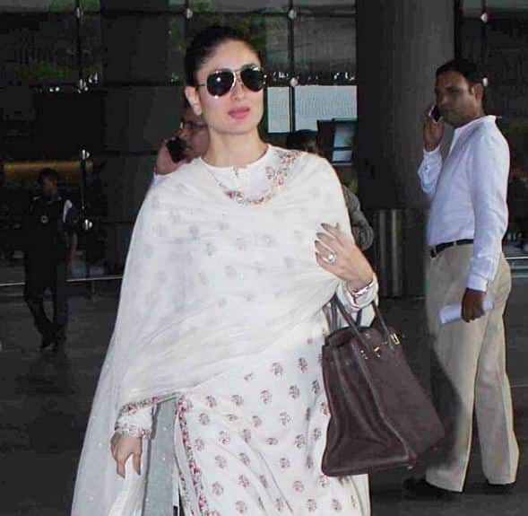 OMG! Kareena Kapoor Khan Spotted With Her Baby Bump!