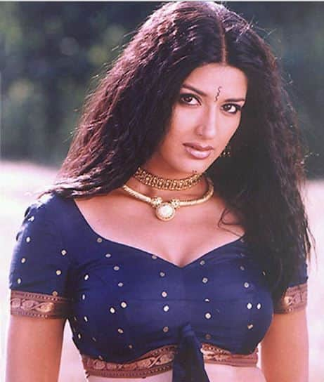 foto de Here's Everything You Need To Know About 90s Hottie Sonali Ben ...