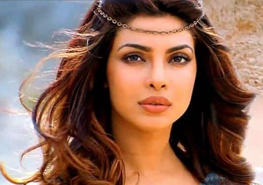 Here's Proof That Priyanka Chopra Definitely Went Nose Shopping!