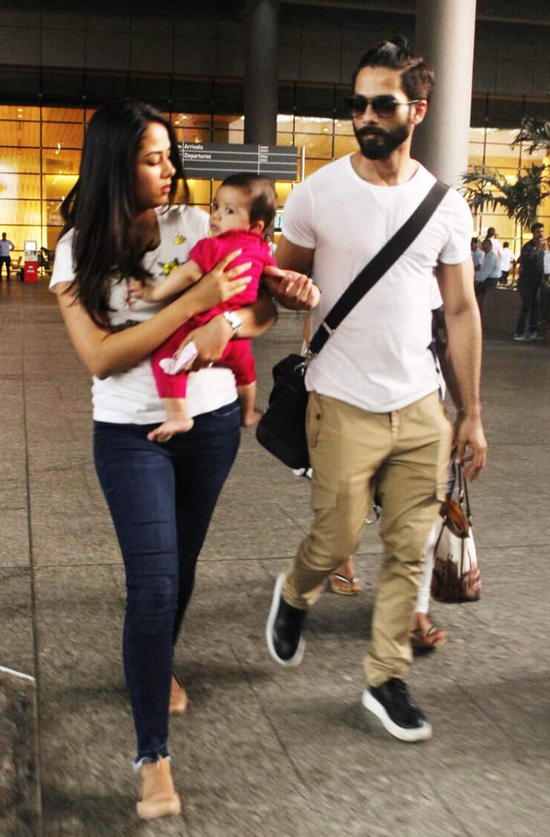 तस्वीरें - जब परिवार के साथ घूमने निकली शाहिद कपूर की बेटी मीशा !