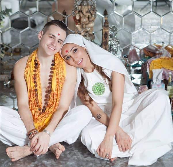 सोफ़िया हयात ने अपने पति व्लाद से टेम्पल ऑफ़ अवेकनिंग में दोबारा की शादी !