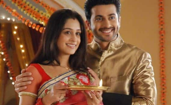 Couples Of Hindi Serials Who Actually Remain Married Only To