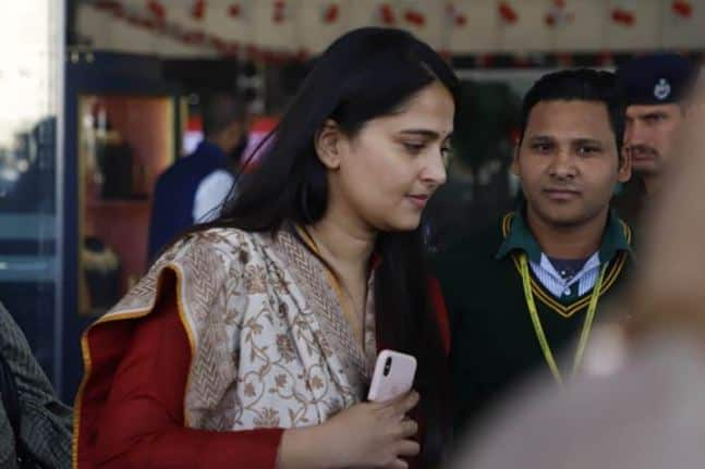 How Can Devasena Be Far Away! - Anushka Shetty also arrived for the wedding