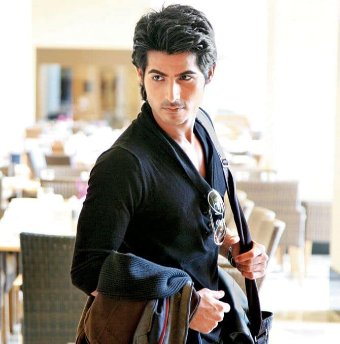 Omkar Kapoor - The Pyaar Ka Punchnama 2  actor has been finalised for the lead role in the serial.His character will be inspired from that of SRK