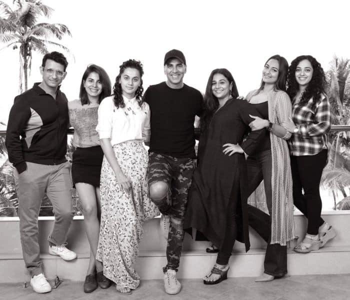 मिशन मंगल  - अक्षय कुमार इस साल स्वतंत्रता दिवस के मौके पर आप सभी को गर्व महसूस करवाने वाले हैं। भारत के पहले मंगलयान के लॉन्च की कहानी अक्षय अपनी फिल्म मिशन मंगल के साथ लेकर आ रहे हैं। इस फिल्म में उनके साथ तापसी पन्नू, विद्या बालन, सोनाक्षी सिन्हा, शरमन जोशी संग सनी होंगे। ये फिल्म इस साल 15 अगस्त पर रिलीज़ होगी।