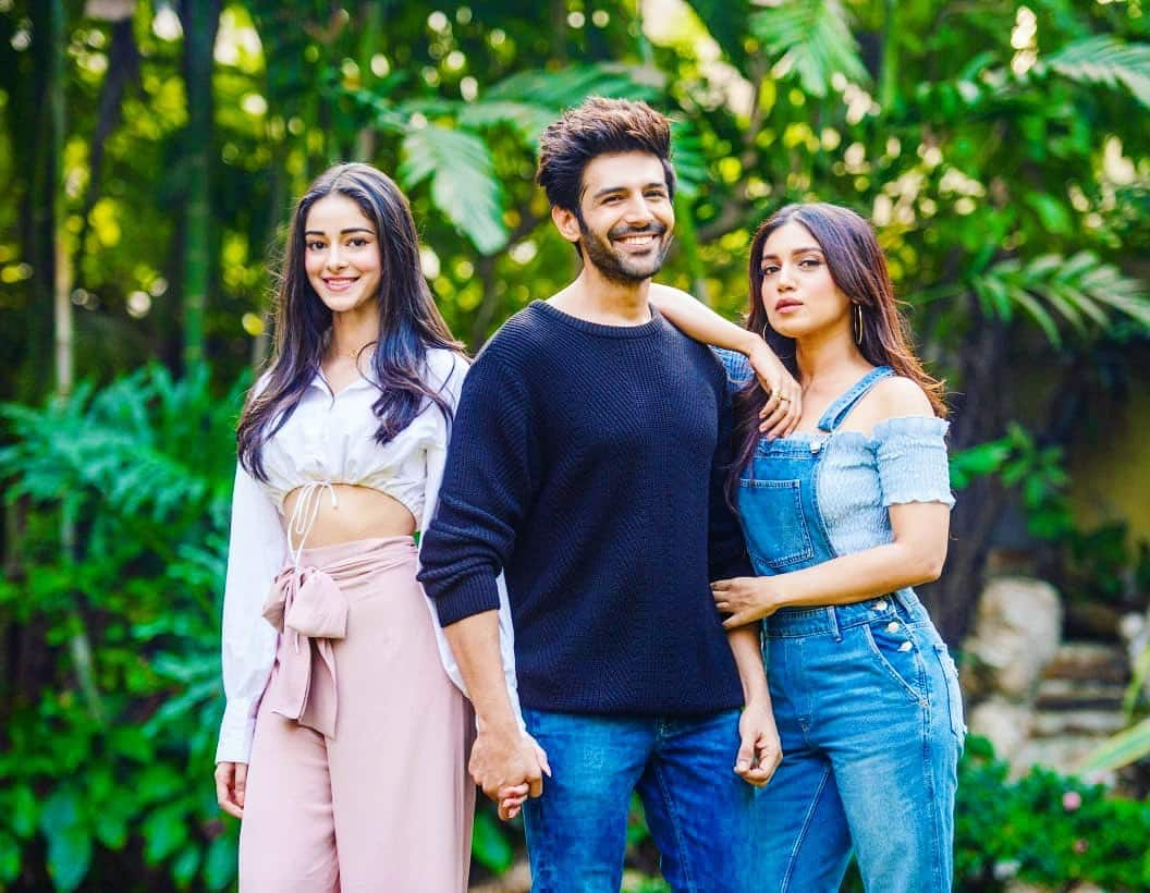 Pati Patni Aur Woh - Kartik will romance not one but two actress on the remake of the Sanjeev Kumar, Ranjita Kaur and Vidya Sinha starrer. Kartik has been cast opposite Bhumi Pednekar and Ananya Panday. Some parts of the shoot have already been done. The film will release on 6th Dec 2019.