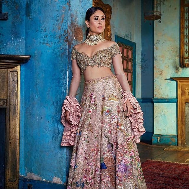 Kareena Kapoor Khan Looks Ethereal In Saree As She Poses For A Magazine Cover See Pictures Desimartini