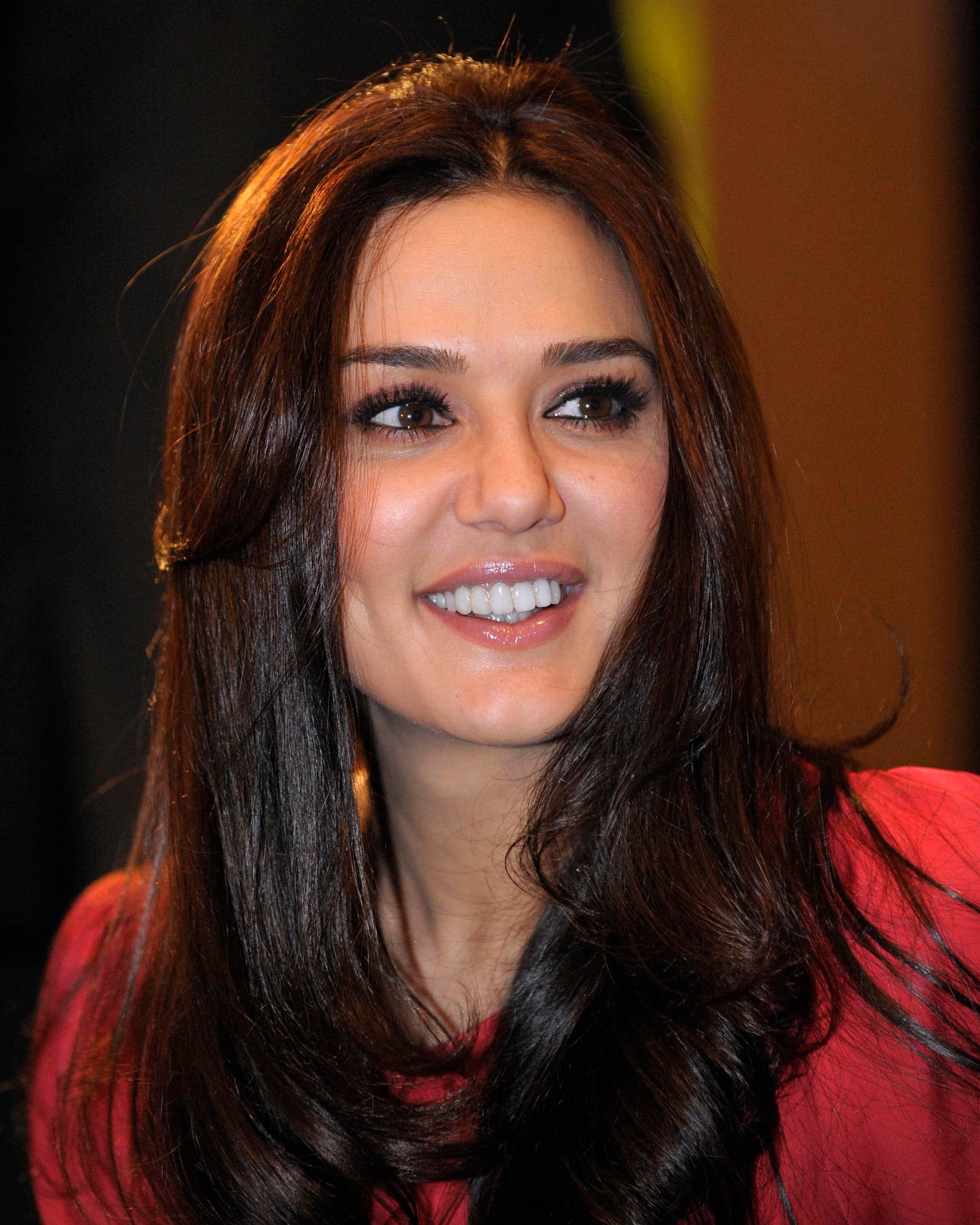 7 Popular Bollywood Celebrities Who Escaped Near Death Experiences