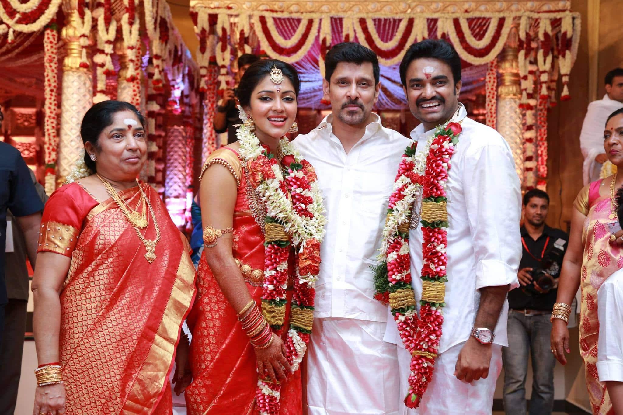 Amala Paul-A.L. Vijay tie the knot this morning