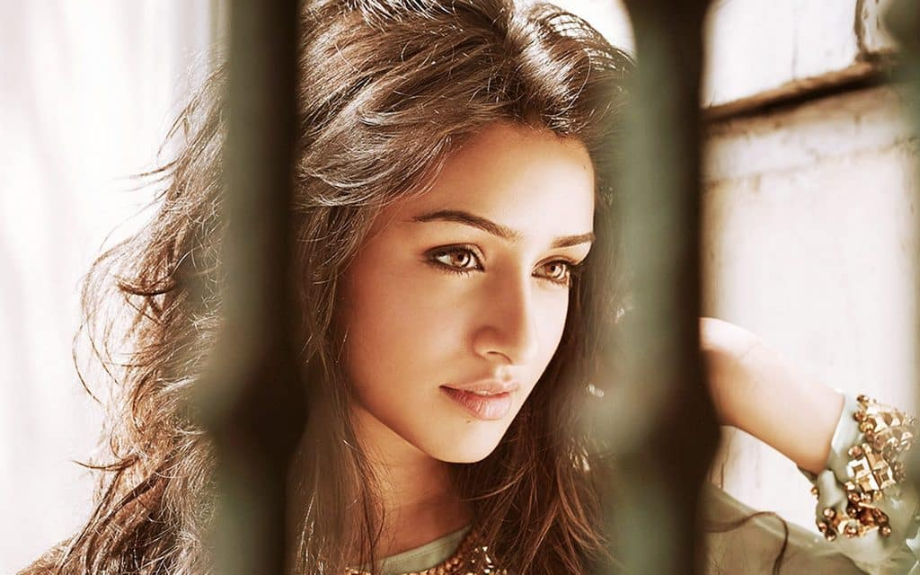 Shraddha Kapoor Only Bollywood Actress To Make It To Forbes Under 30 Asia List Desimartini