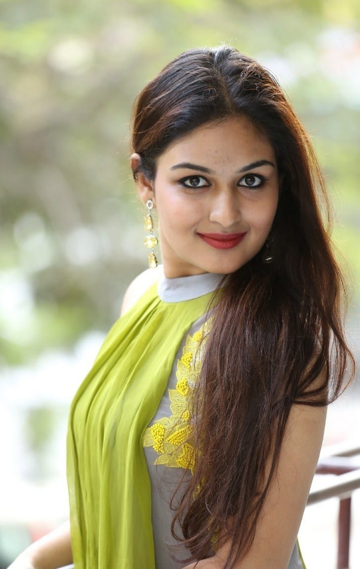 Prayaga Steps In 80s College Girl Character