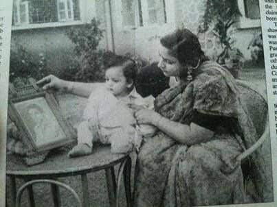 Shah Rukh Khan on Mother's Birthday: 'I would be slapped for telling her age'