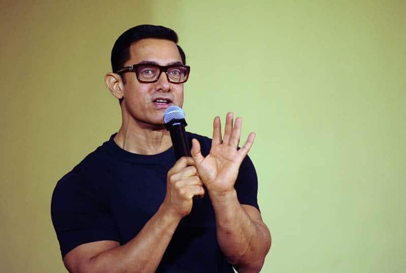 Why Did Aamir Khan Compare Himself To A Waiter?