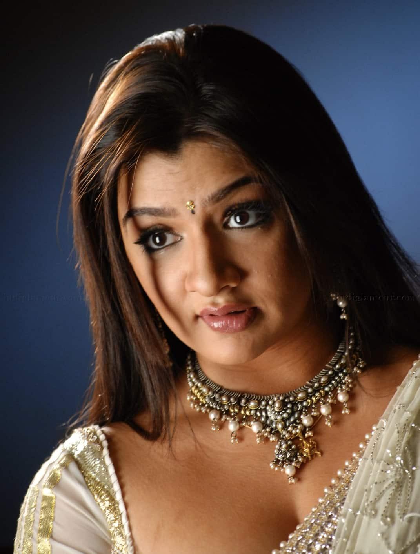 telugu actress aarthi agarwal dies after failed liposuction