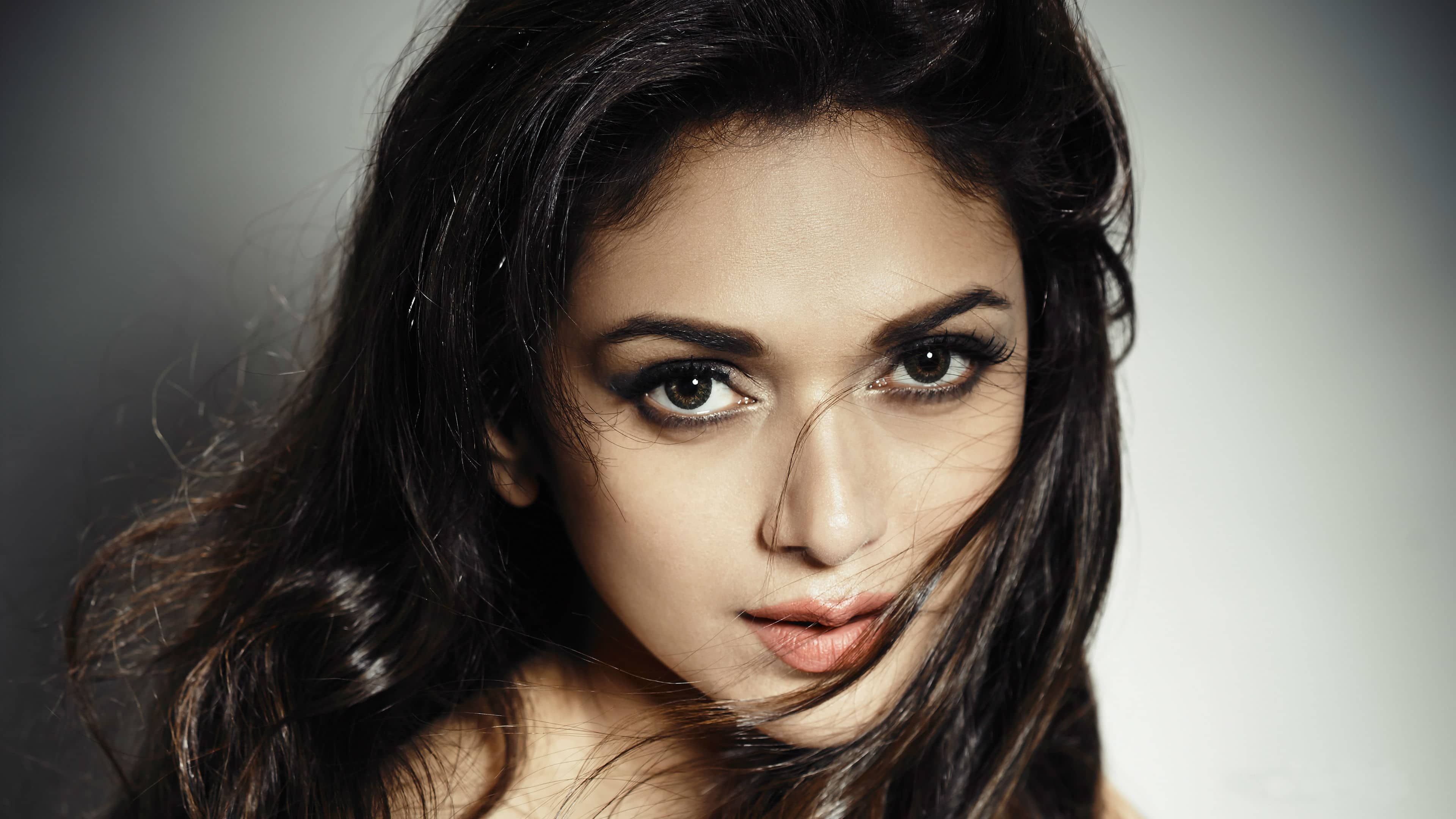 Revealed: Aditi Rao Hydari's Role In 'Kaatru Veliyidai'