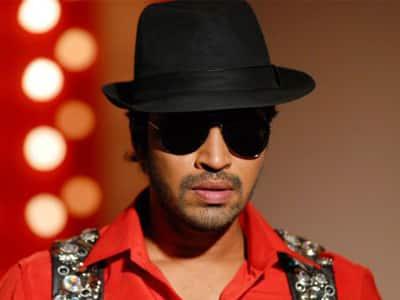 Allari Naresh In Telugu Remake Of 'Oru Vadakkan Selfie'