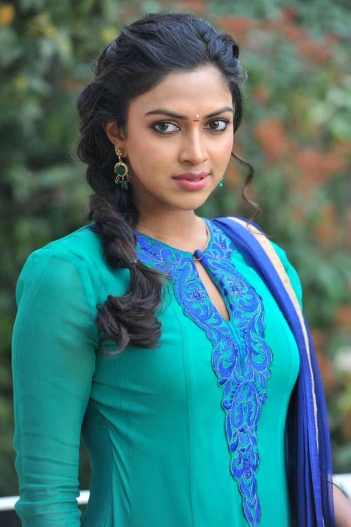 Amala Paul Signs Yet Another One After VIP2: Read Details!