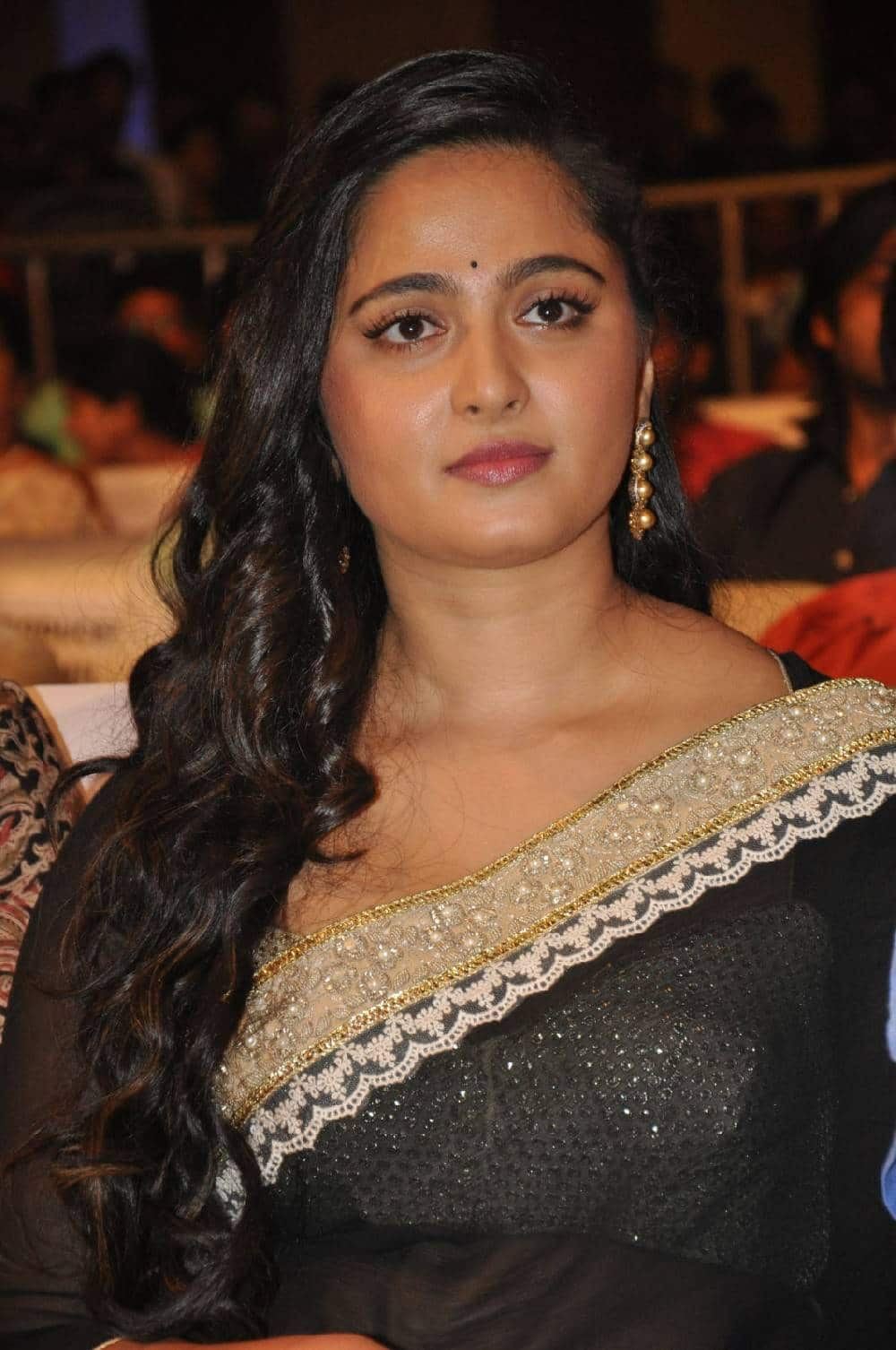 Anushka Shetty S Weight Issue A Cause Of Concern For