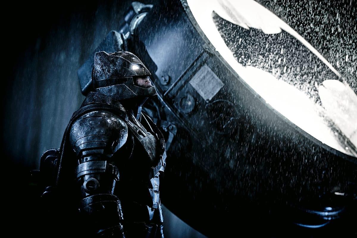 Batman v Superman TV Spot Released