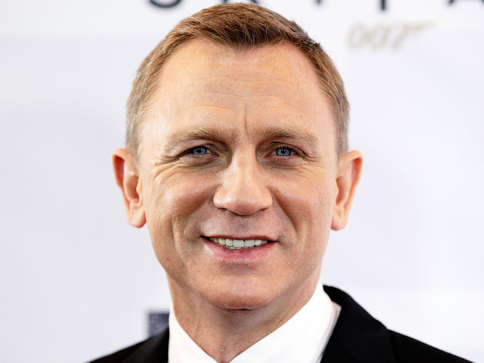 Bond Likes to Dabble With the Script