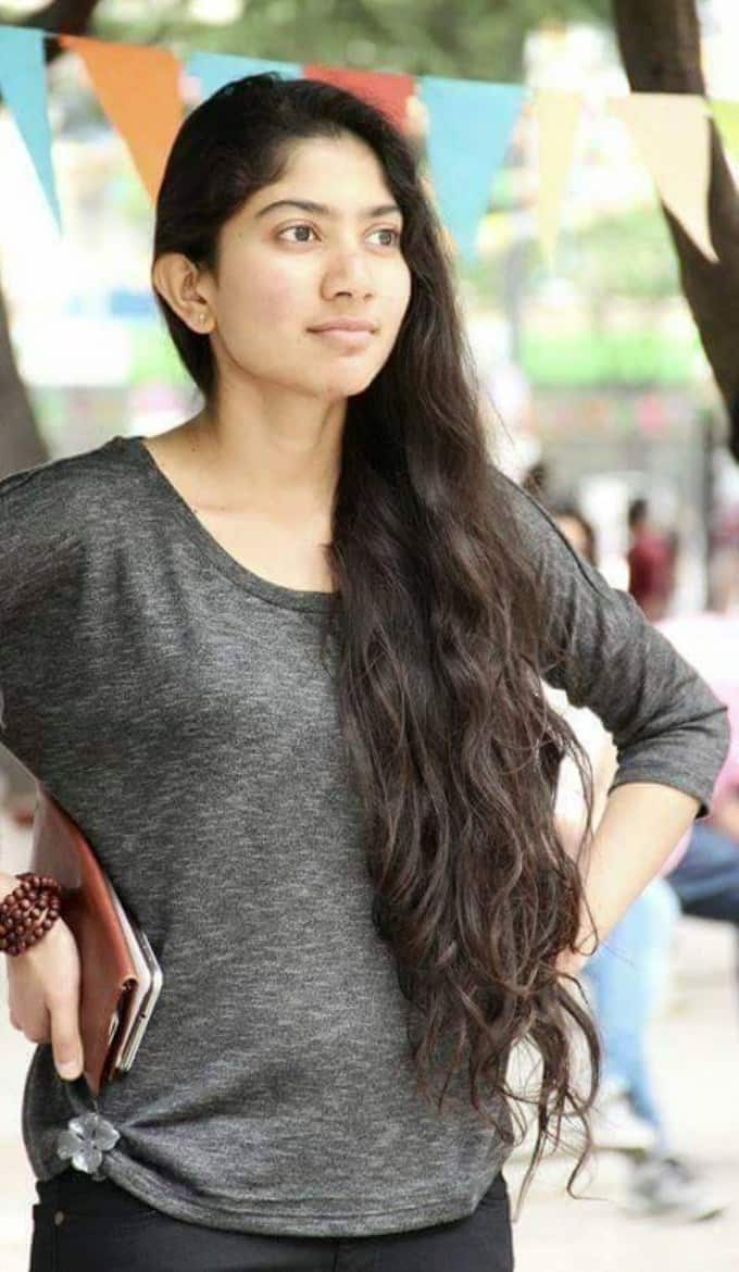 Sai Pallavi To Be Roped In For Prithviraj's Film With R.S. Vimal