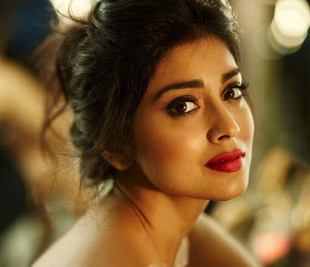 Shriya Saran Joined Chiranjeevi S Khaidi No 150 League