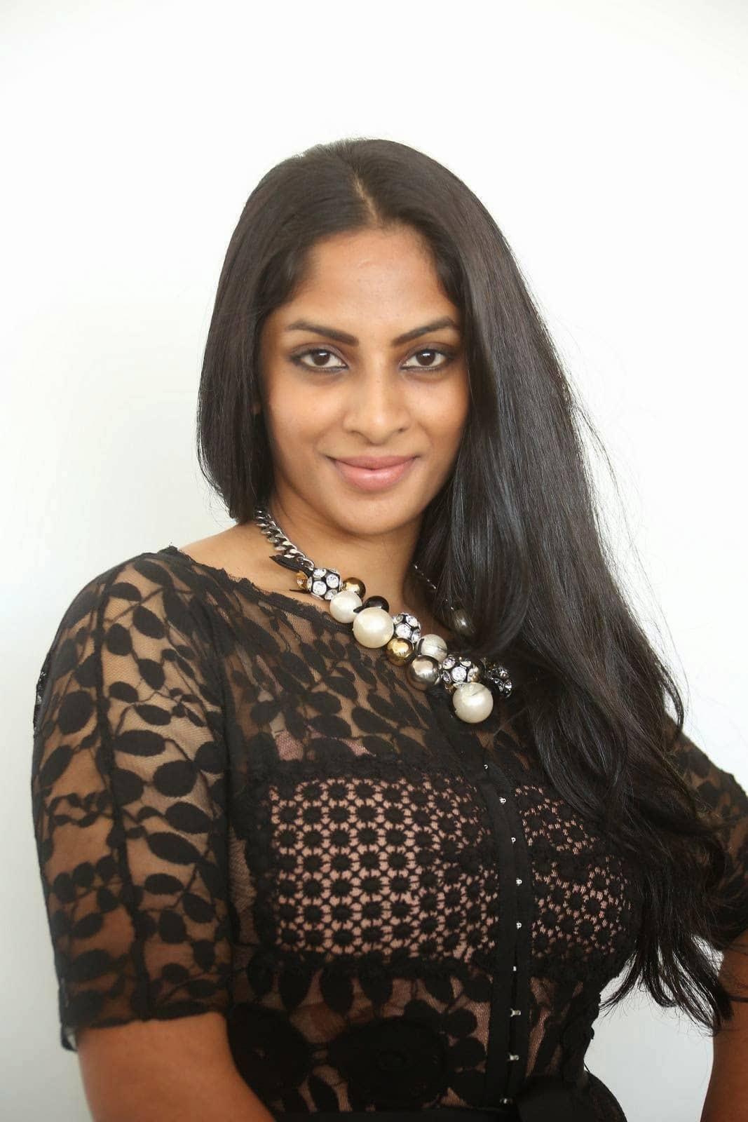 Sriya Reddy Talks About Her Comeback In Films - DesiMartini