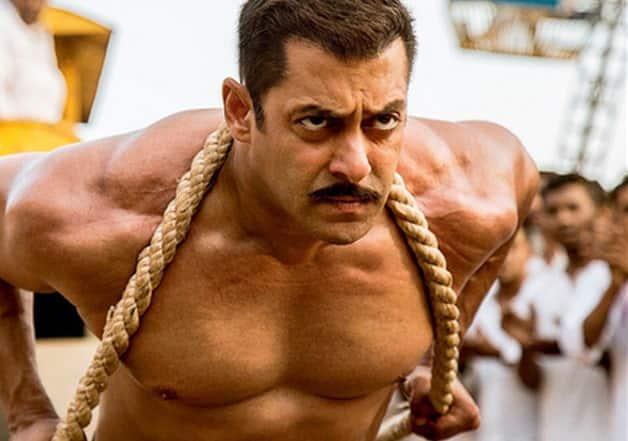Here's Why Salman Khan Fans Think Aditya Chopra Has Cheated Him!