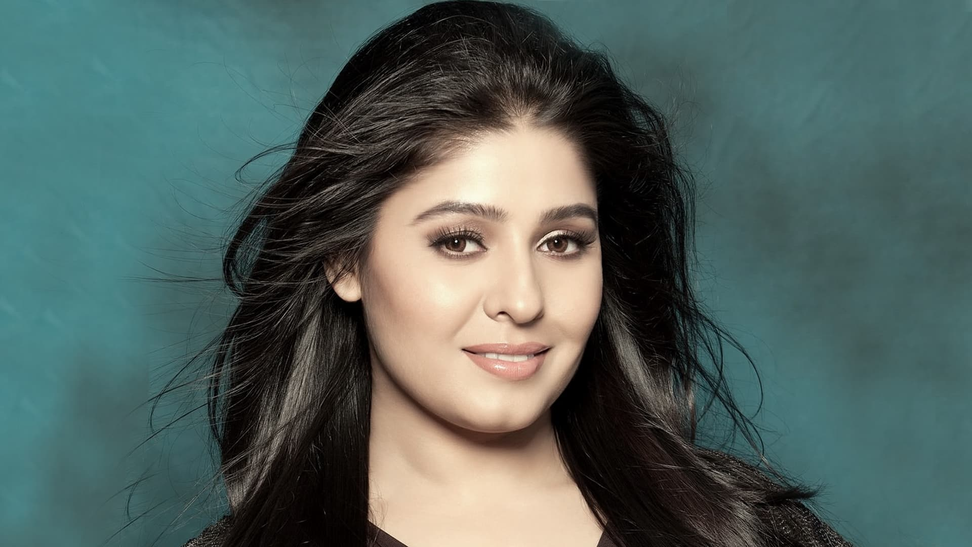 Singer Sunidhi Chauhan Wants To Try Her Hands At Acting In Bollywood
