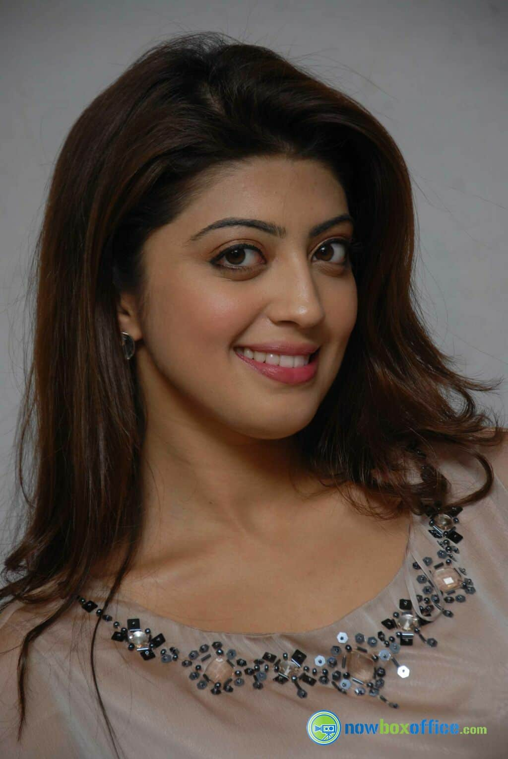 Pranitha To Team With Jai For Her Next