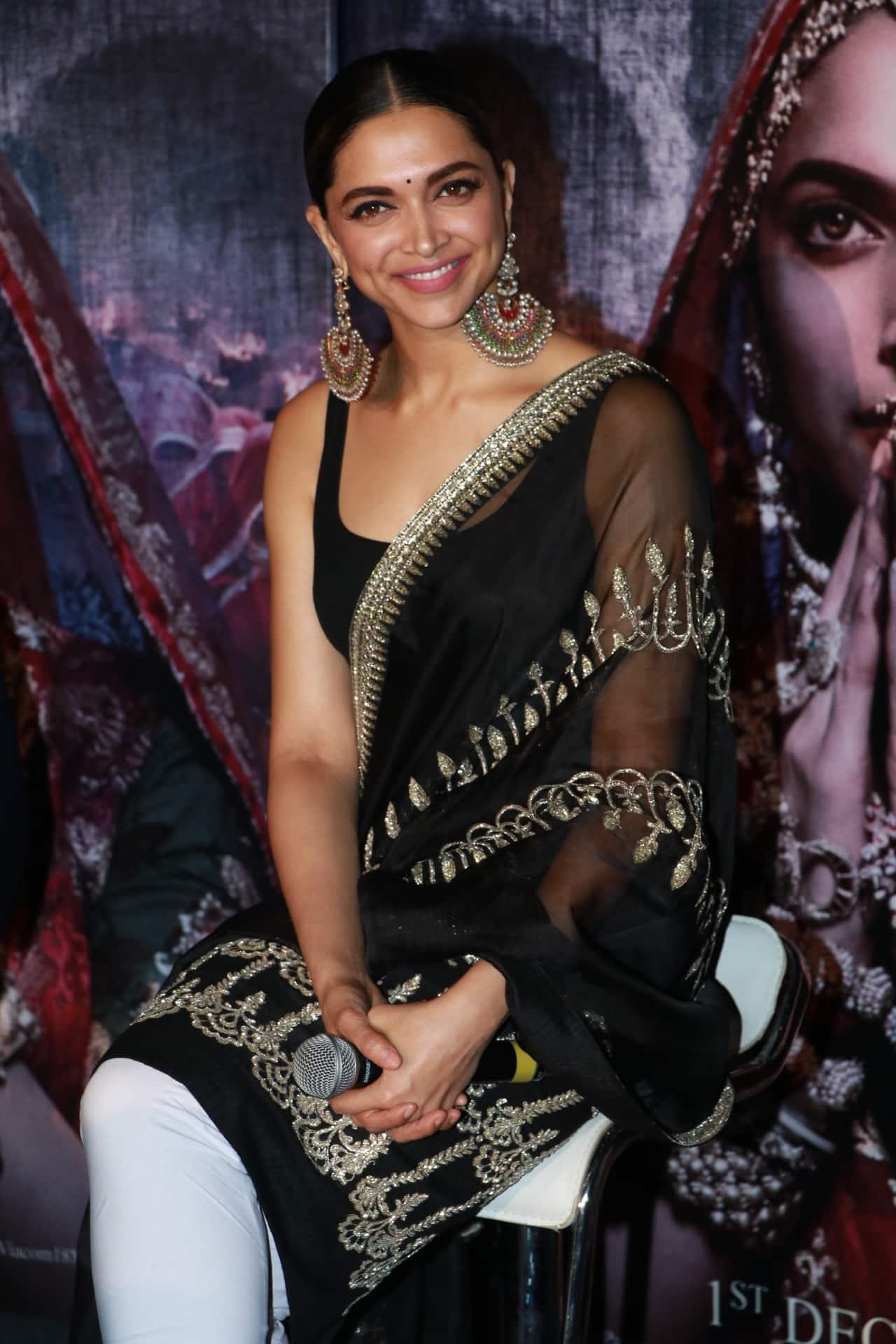 Deepika Padukone Is A Vision In Black At The 3D Trailer Launch Of Padmavati