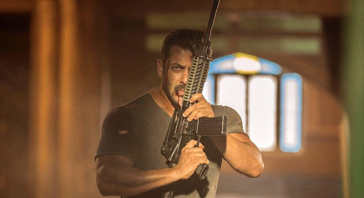 Salman Khan Sets Records As Tiger Zinda Hai Gears Up For BIGGEST Weekend Ever Scored By A Bollywood Release
