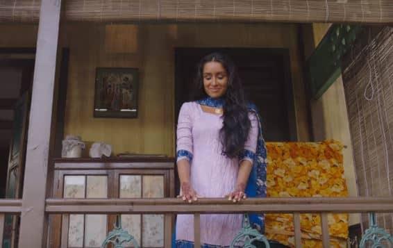 WATCH: Shraddha Kapoor's OverActing Will Make You Cringe In Haseena's Tere Bina Song!
