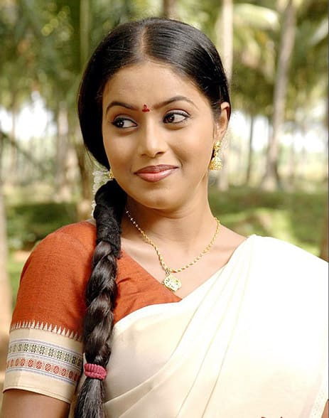 Poorna Is A New Addition To The Cast Of Kodi Veeran