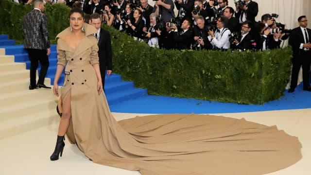 8 Times Bollywood Celebrities Got Trolled For Their Weird Fashion Sense