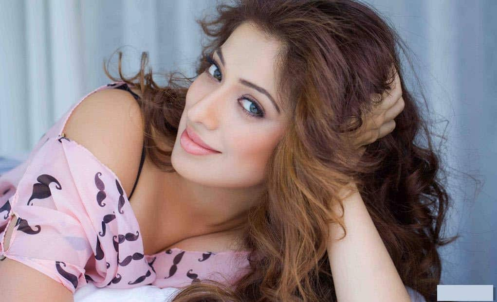 Raai Laxmi To Be Next Seen In 'Neeya 2'