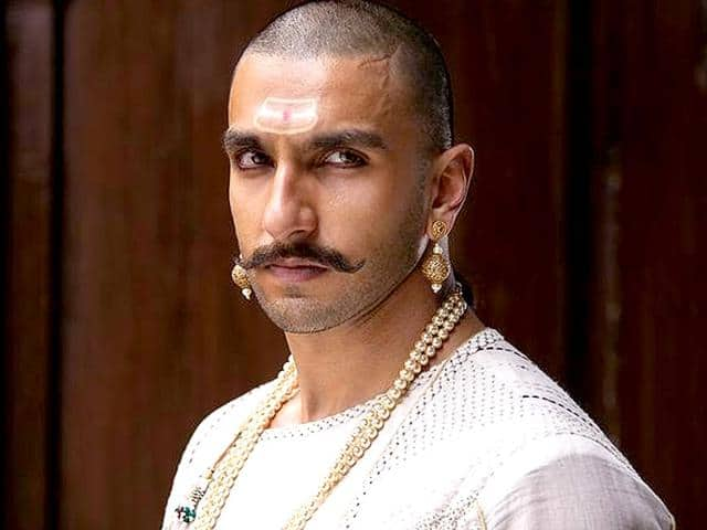 7 Ways Through Which Ranveer Singh Proves That He Is India's Next Superstar