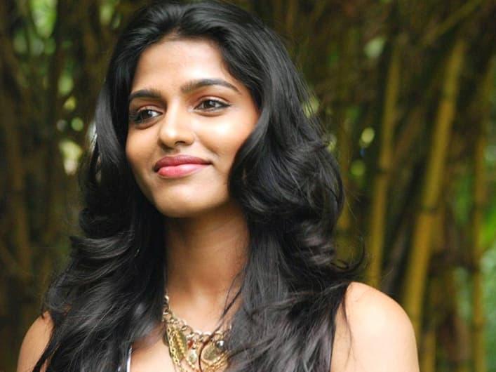 Sai Dhanshika All Set For Her Tollywood Debut