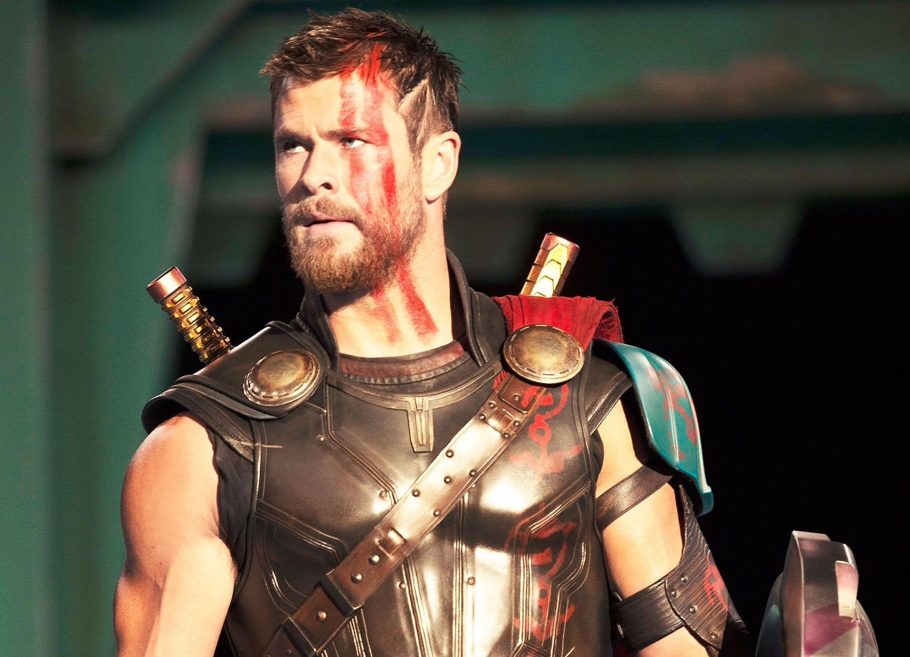 chris hemsworth feels intimidated by these fellow actors from