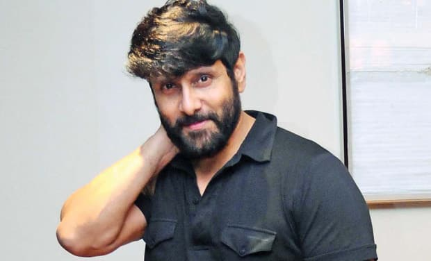 Vikram's Son Dhruv To Star In 'Arjun Reddy' Remake, Director Yet To Be Finalised