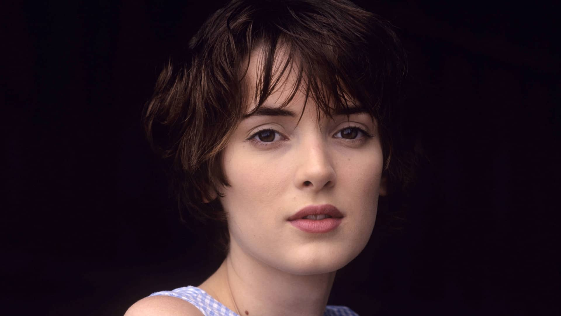 To Find Fame Again Is Overwhelming For Winona Ryder!