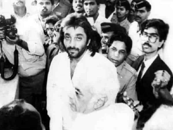 Journalist who broke the news of Sanju's Arrest in the '93 blast case, BUTCHERS Hirani's SANJU!