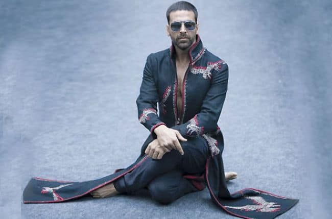 Akshay Kumar Is Possessed By A Transgender Ghost  In Next Film And We Can't Even…Know All The Details Here