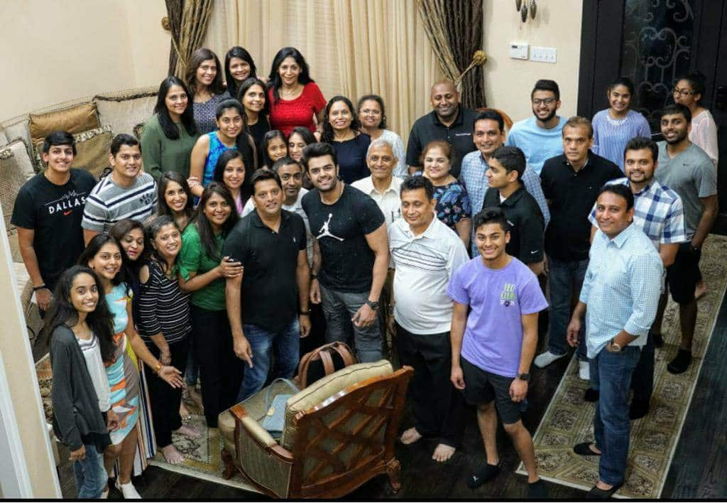 Fans host a lavish dinner party for Maniesh Paul at Dallas